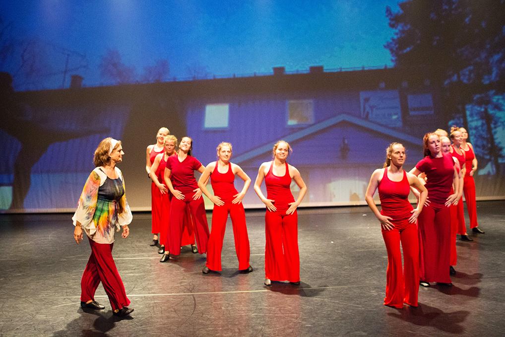 Hvordan skapes en dansepedagog-utdanners identitet?