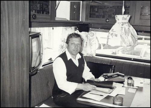 Salgskontor i campingvogna